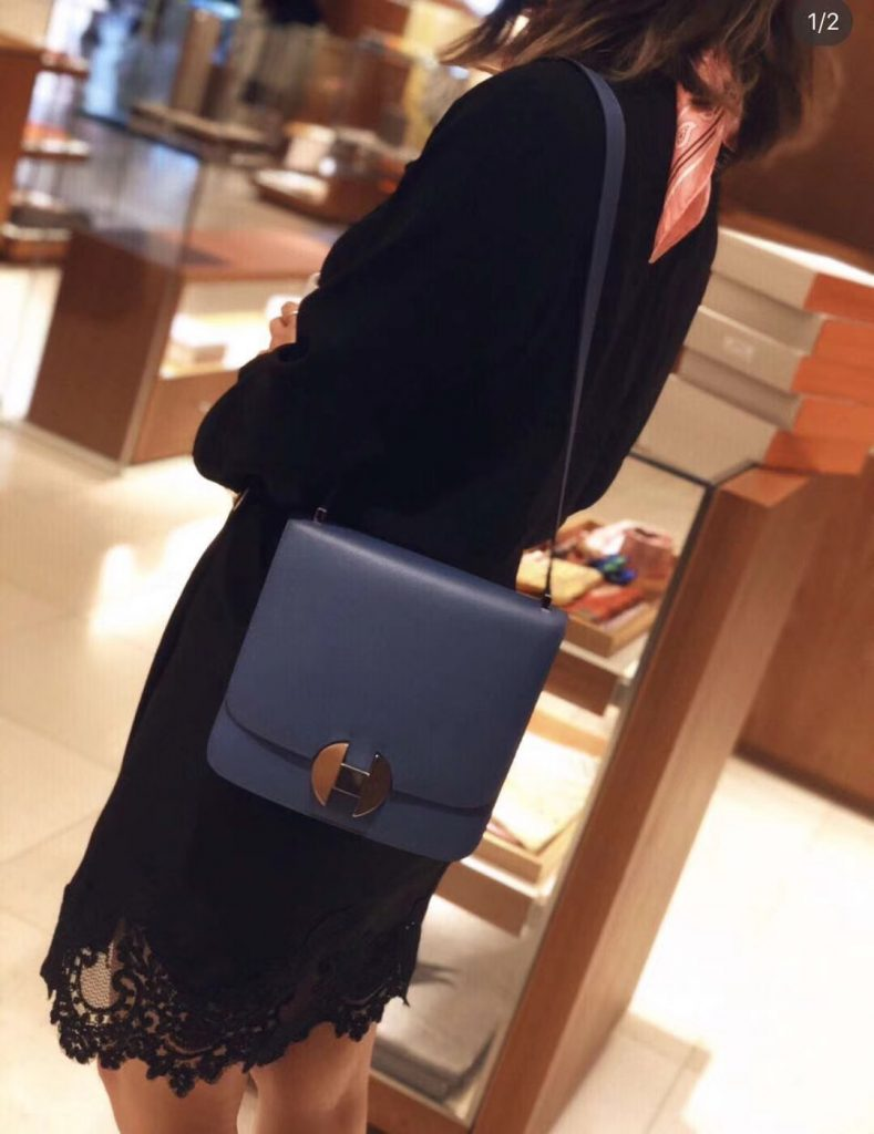 IMG 90318a 83 789x1024 - Hermes 2002 - 26 Bag In Evercolor Calfskin With Adjustable Strap