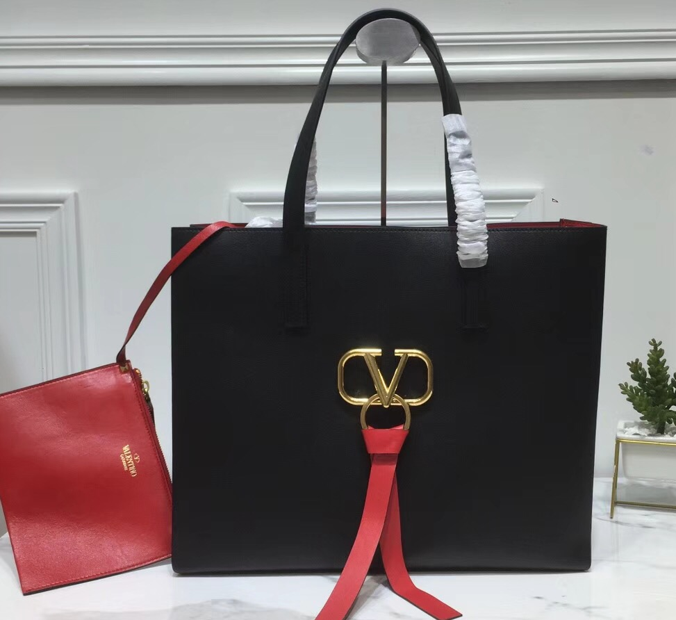 IMG 90408a 111 cr - Valentino E/W Large VRing Shopping Tote Bag 2019