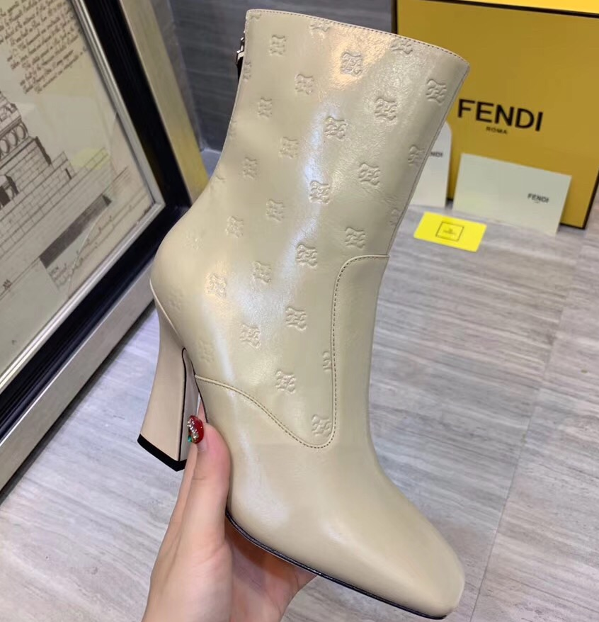 IMG 90722a 579 cr - Fendi FF Karligraphy Boots 2019