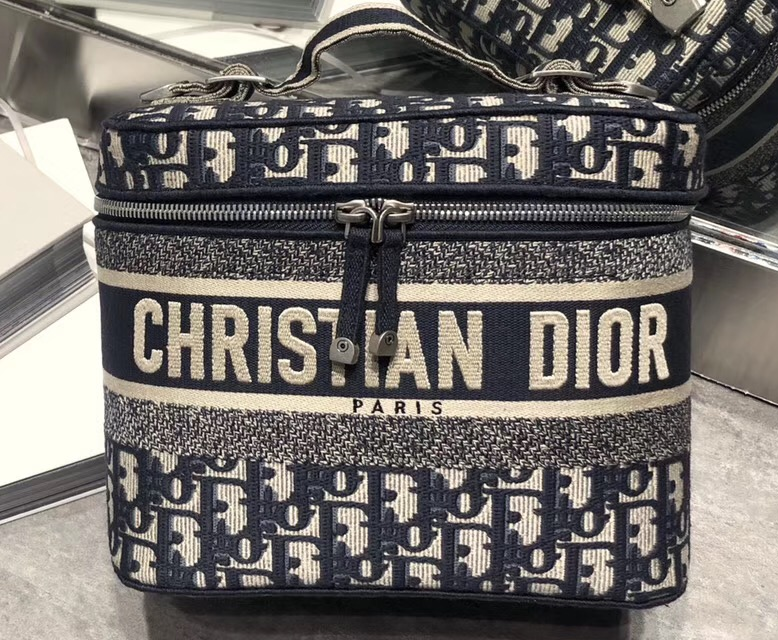 IMG 91116a 199 cr - Dior New Bag in Oblique Canvas Blue 2019
