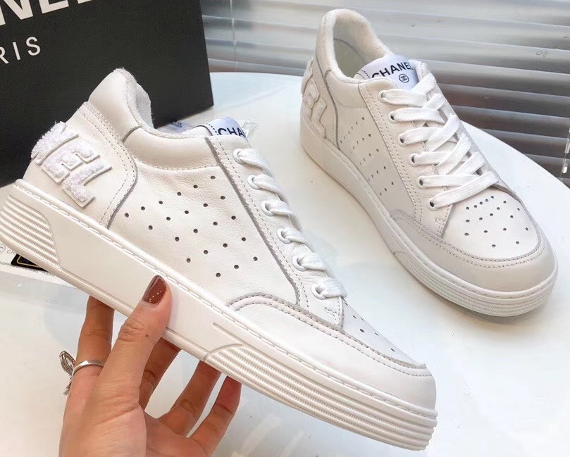 IMG 200317ss 653 cr - Chanel Calfskin Sneakers G35934 2020