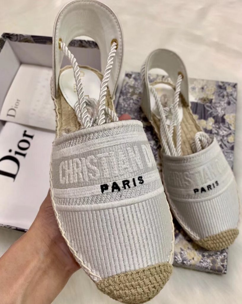 IMG 200425s 214 cr 817x1024 - Dior Embroidered Cotton Espadrilles Sandals 2020