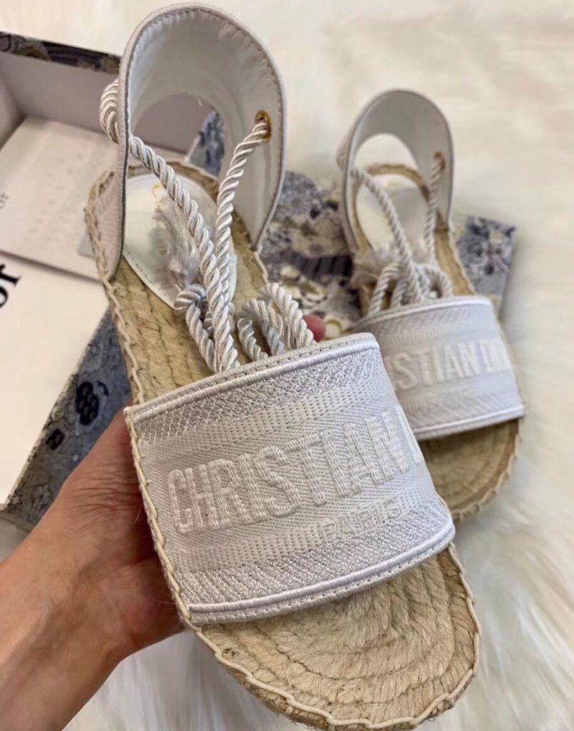 IMG 200425s 250 cr 805x1024 - Dior Embroidered Cotton Espadrilles Sandals 2020