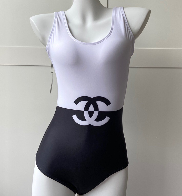 IMG 200527a 530 cr - Chanel Swimsuit 2020