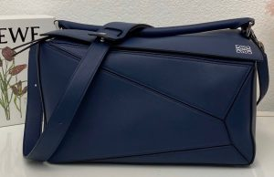 IMG 200805a 176 ccr 300x194 - Loewe Large Puzzle Bag in Classic Calfskin