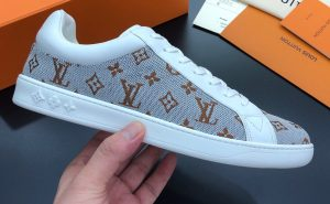 IMG 200904m 1571 cr 300x185 - Louis Vuitton Luxembourg Men's Sneakers Top Quality