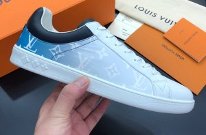 IMG 200904m 1681 cr 300x198 - Louis Vuitton Luxembourg Men's Sneakers Top Quality