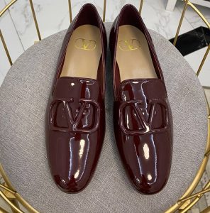 IMG 200919a 1098 cr 296x300 - Valentino Vlogo Loafers 2020